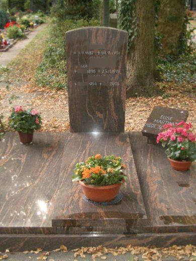 beerdigungsdoppelgräber-11-390x520